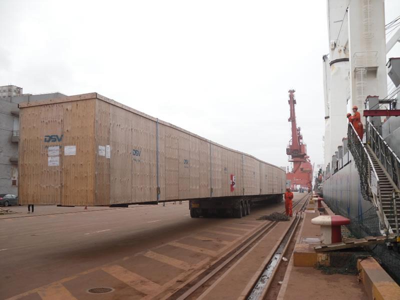 52米长海上风电叶片模具运输