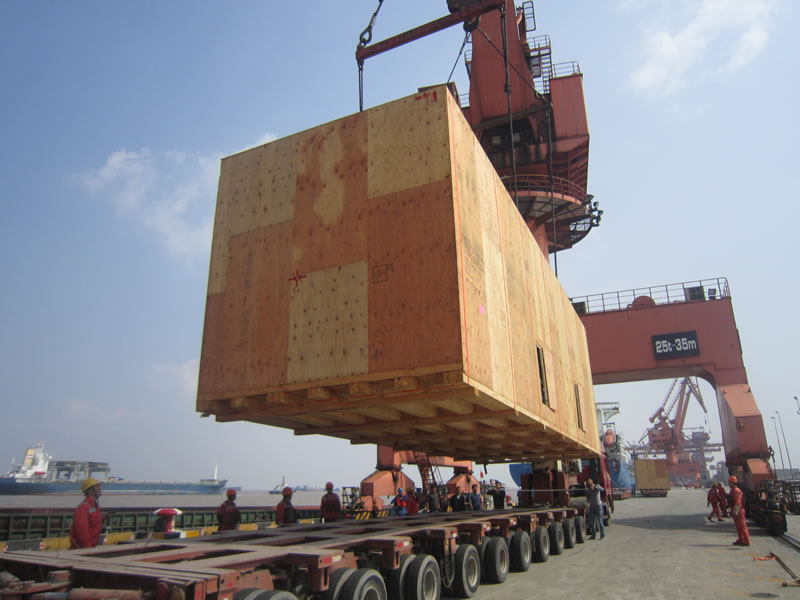 100吨重大件公路运输安全抵达