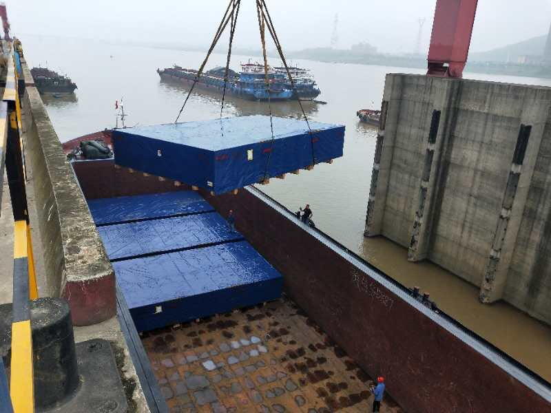 Batches of 5.3m wide heavy and heavy equipments to Hunan arrived at the destination safely and smoothly
